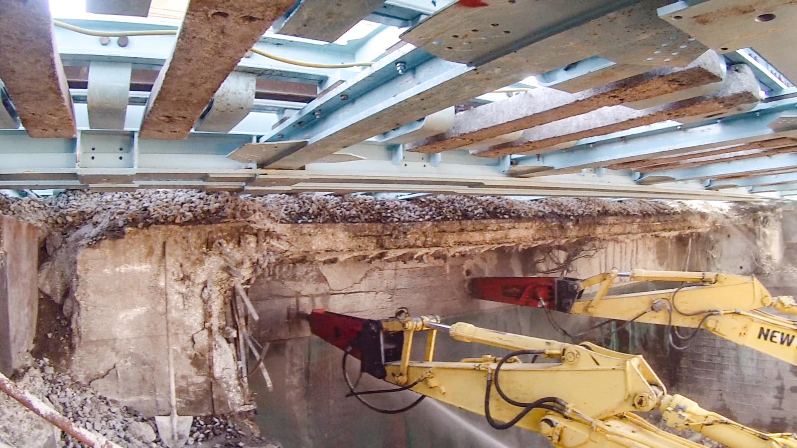Demolizione Scala In Cemento Armato taglio e demolizione strutturale - clemente engineering